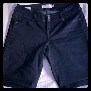 Torrid size 16 dark denim Jeggings shorts